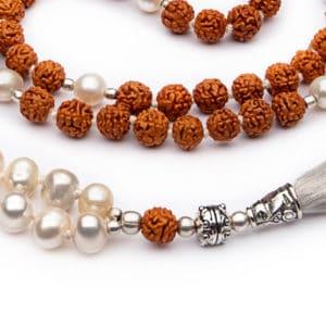Mala Rudraksha con Set di Perle